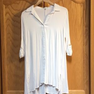 Vanilla bay cream-colored blouse with side pockets